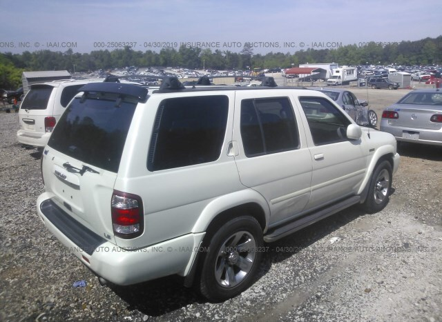 Used Car Nissan Pathfinder 2004 White for sale in Loganville