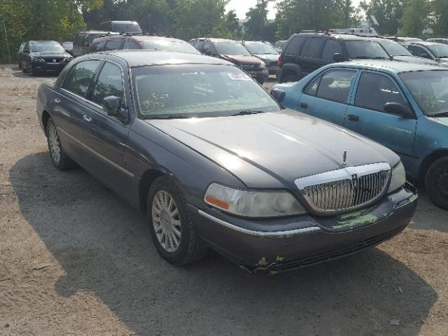 Salvage Car Lincoln Town Car 2004 Charcoal For Sale In Brookhaven Ny