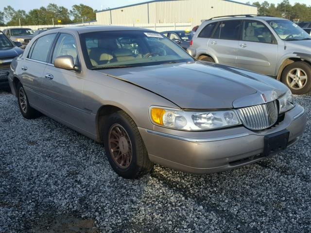 Salvage Car Lincoln Town Car 2002 Gold For Sale In Greer Sc Online