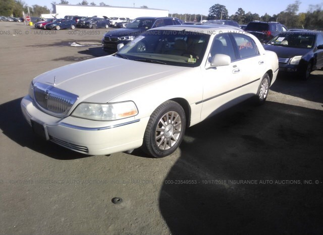 Salvage Car Lincoln Town Car 2006 Blue For Sale In Ashland Va Online