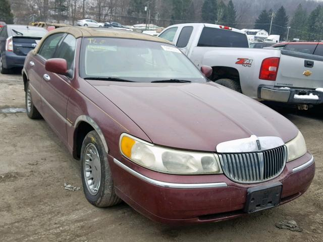 Salvage Car Lincoln Town Car 2001 Burgundy For Sale In Ellwood City
