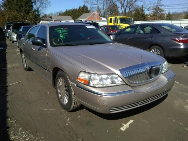Salvage Car Lincoln Town Car 2003 Gold For Sale In Finksburg Md