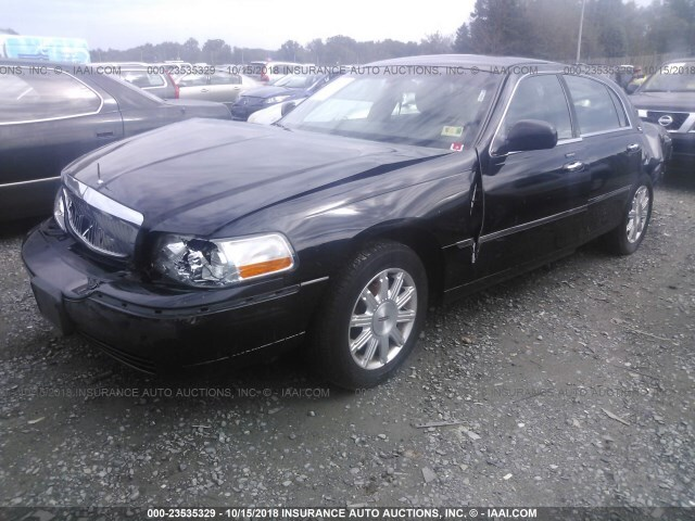 Salvage Car Lincoln Town Car 2011 Black For Sale In Fredericksburg