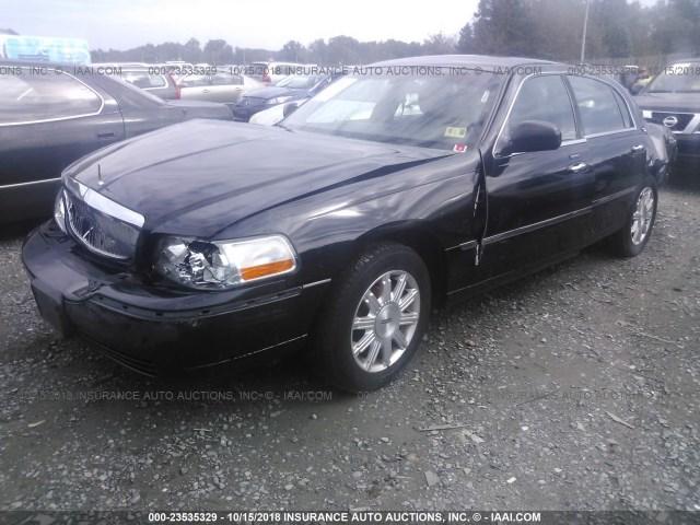 Salvage Car Lincoln Town Car 2011 Black For Sale In Fredericksburg
