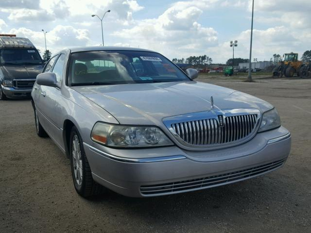 Salvage Car Lincoln Town Car 2009 Silver For Sale In Dunn Nc Online