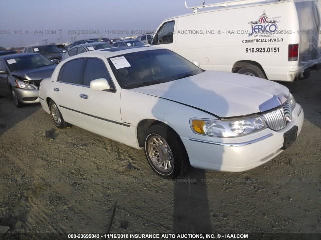 Salvage Car Lincoln Town Car 1999 White For Sale In Rancho Cordova