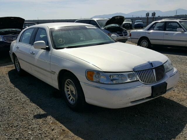 Auction Ended Salvage Car Lincoln Town Car 2002 White Is Sold In