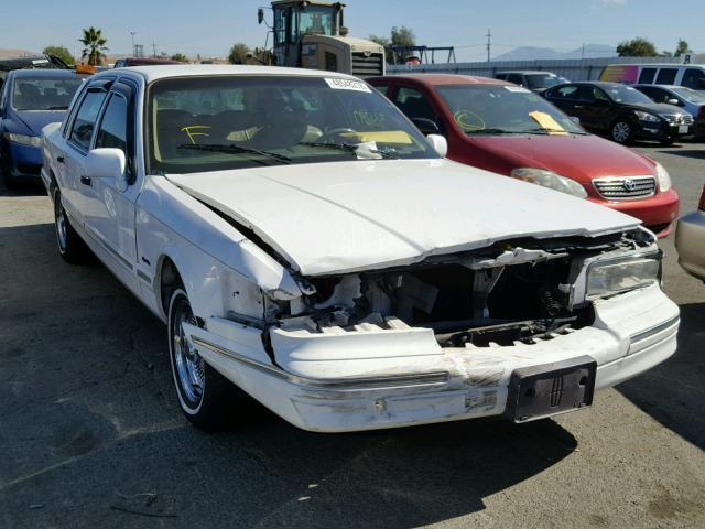 Salvage Car Lincoln Town Car 1997 White For Sale In Martinez Ca