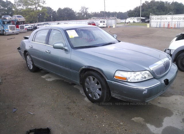 Salvage Car Lincoln Town Car 2005 Blue For Sale In Lafayette La