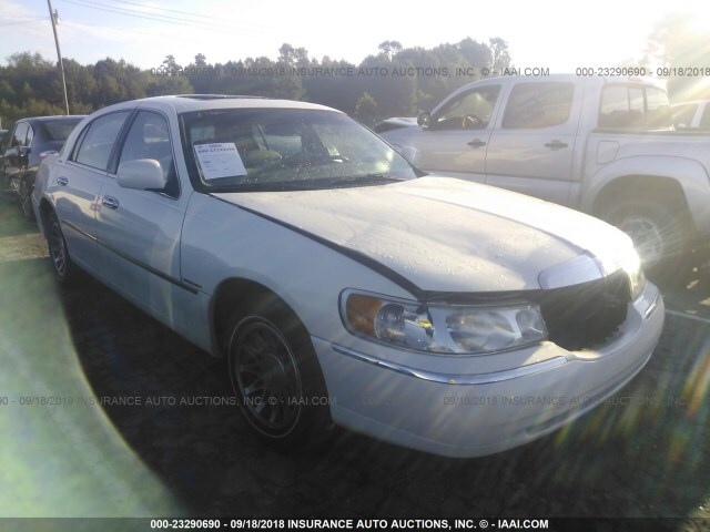 Salvage Car Lincoln Town Car 2000 White For Sale In Clayton Nc