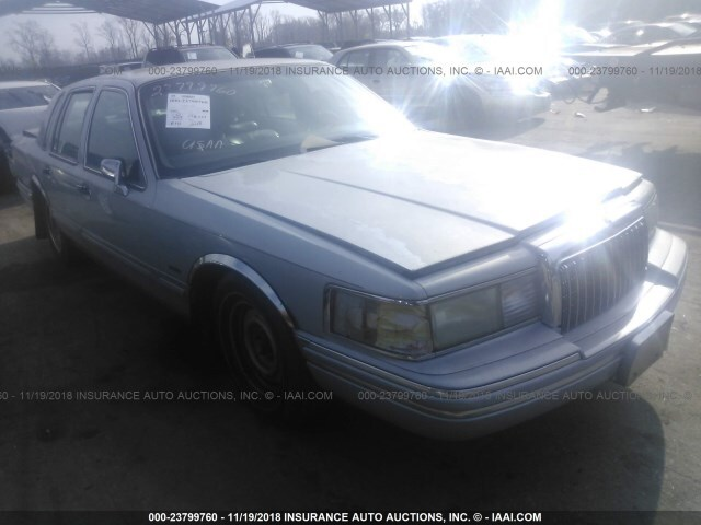 Salvage Car Lincoln Town Car 1994 Silver For Sale In Baltimore Md