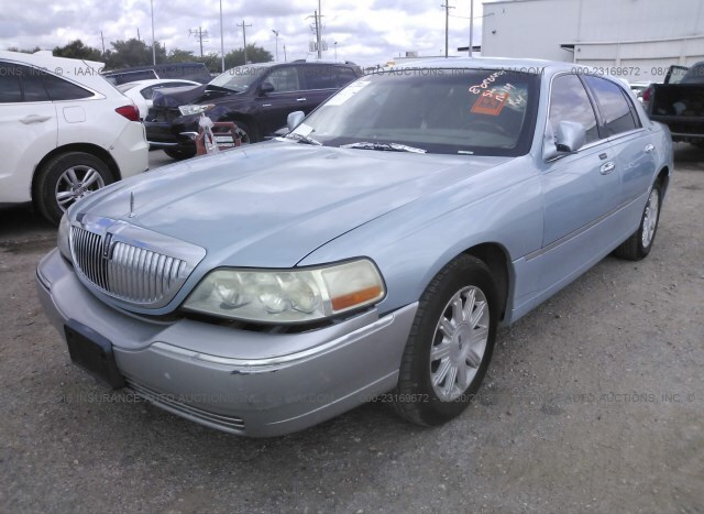 Salvage Car Lincoln Town Car 2009 Blue For Sale In Houston Tx Online