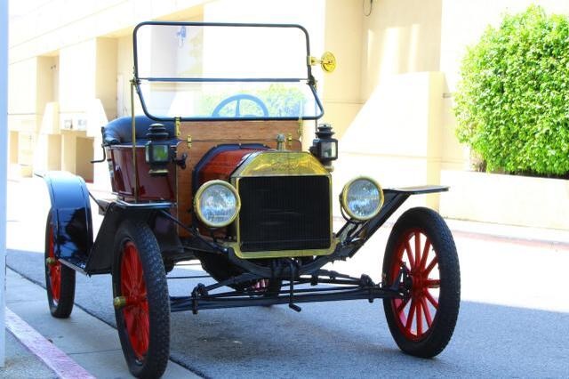 1922 FORD MODEL-T