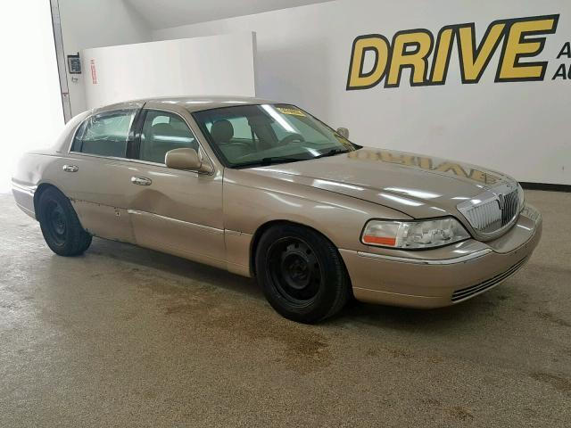 Used Car Lincoln Town Car 2005 Gold For Sale In Wilmer Tx Online