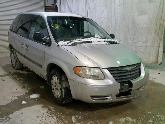 Salvage Car Chrysler Town And Country 2005 Silver For Sale In Leroy