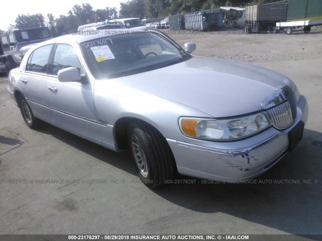 Salvage Car Lincoln Town Car 2001 Silver For Sale In Baltimore Md