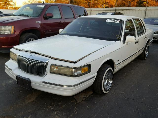 Salvage Car Lincoln Town Car 1995 White For Sale In Austell Ga