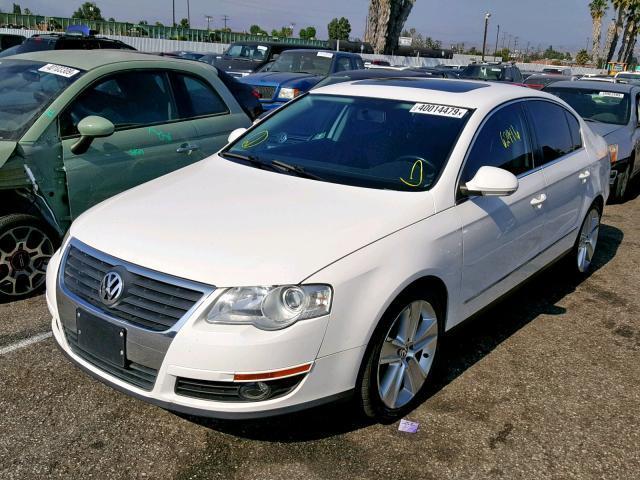 Salvage Car Volkswagen Passat 2010 White For Sale In Van