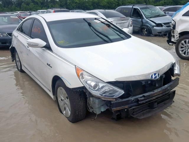 Salvage Car Hyundai Sonata Hybrid 2013 White For Sale In