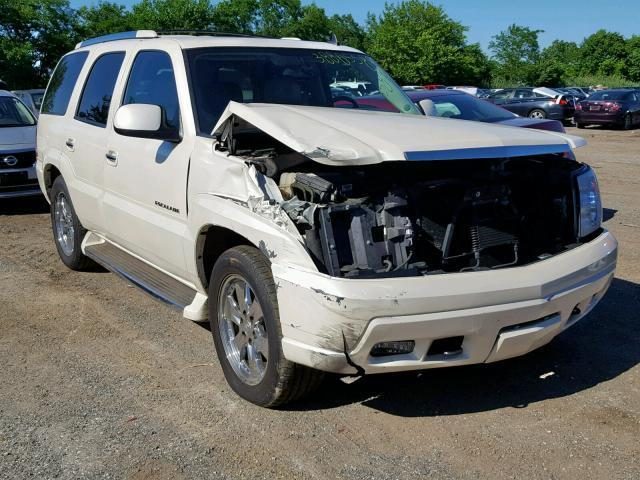 Salvage Car Cadillac Escalade 2006 White for sale in