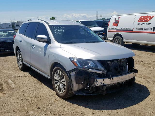 Salvage Car Nissan Pathfinder 2018 Silver for sale in