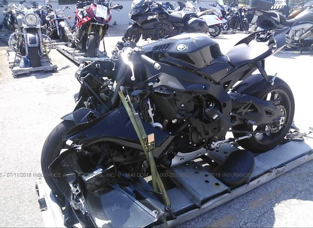 Salvage Motorcycle Yamaha Yzf-R1 2017 Black for sale in
