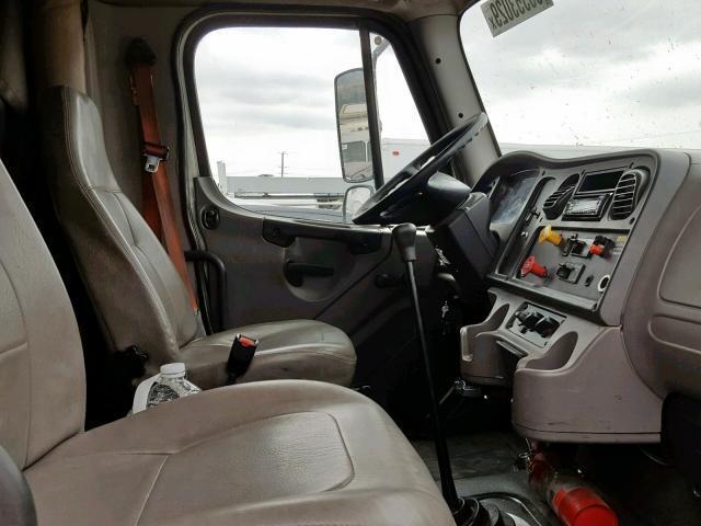 Used Truck Freightliner M2 106 Medium Duty 2008 White for
