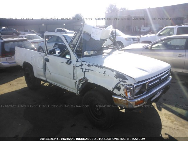 Salvage Car Toyota Pickup 1991 White for sale in Rancho