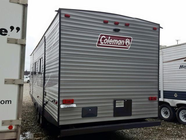 Salvage RV Keystone Rv Camper 2018 White for sale in LOUISVILLE KY