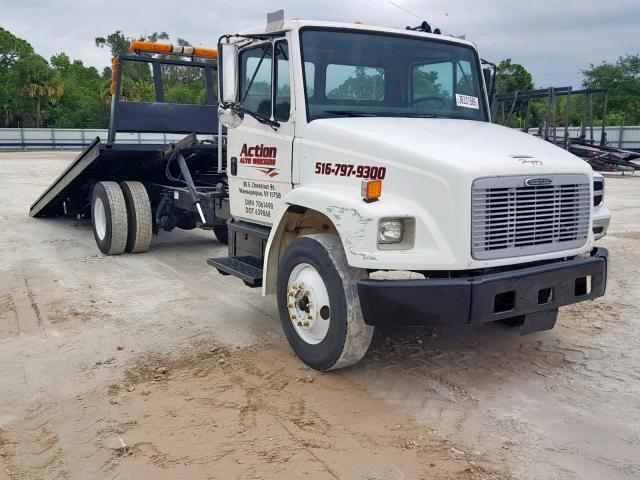 Salvage Truck Freightliner Fl70 2004 White for sale in FORT