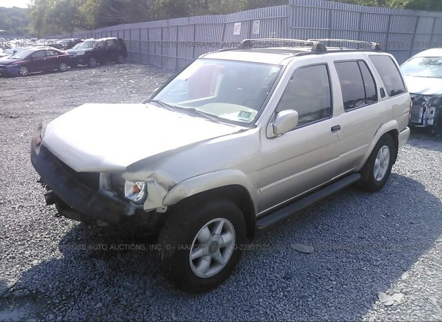 Salvage Car Nissan Pathfinder 2000 Gold for sale in