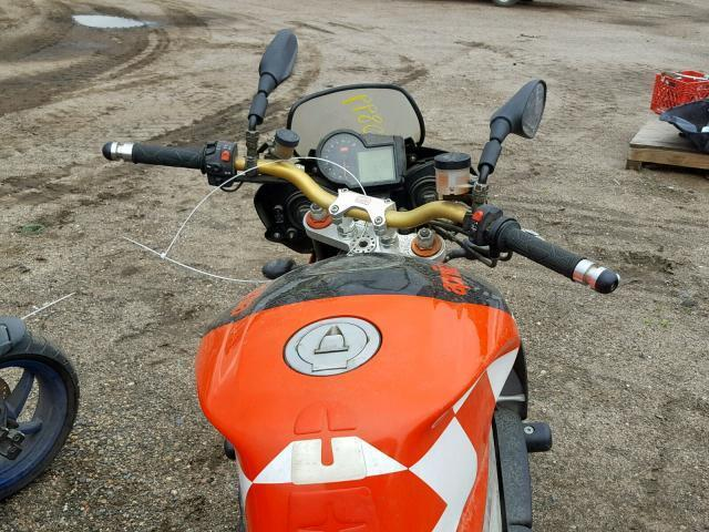Used Motorcycle Aprilia Tuono 1000 R 2007 Red for sale in