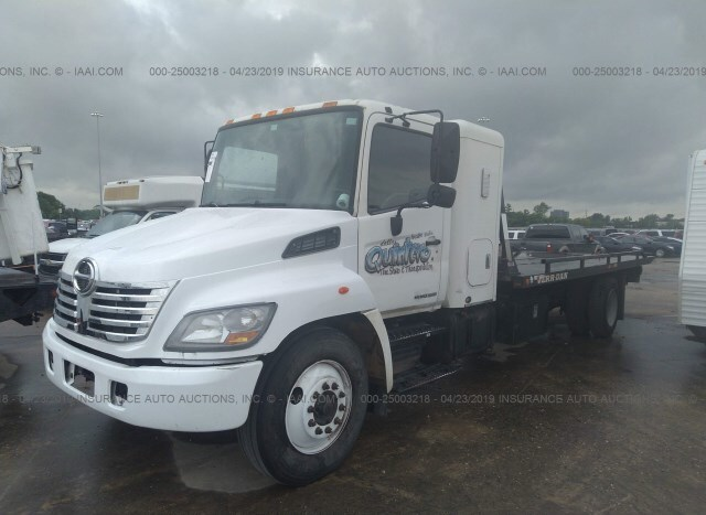 Salvage Truck Hino 268 2007 White for sale in Houston TX