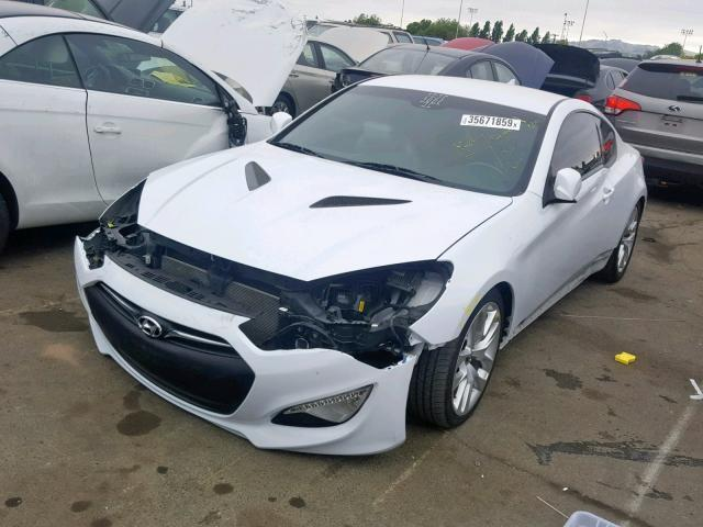 Salvage Car Hyundai Genesis Coupe 2015 White For Sale In